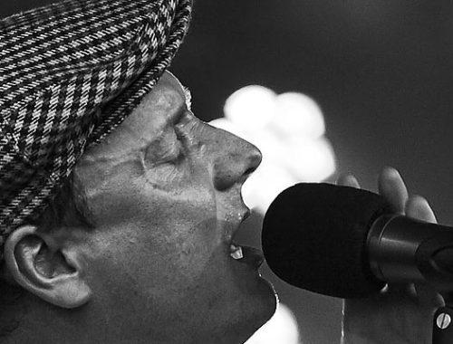 Wie wähle ich die passenden Lieder zur Freien Trauung aus - Sänger